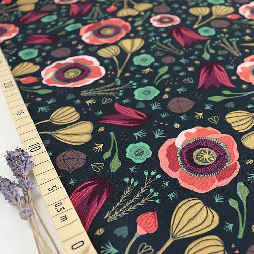 Bio Popeline Baumwollstoff Dark Blooms aus der Serie Forest Jewels von Cloud9
