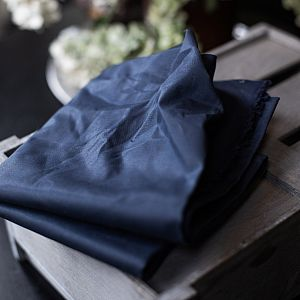 Dry Waxed Organic Cotton in navy von mind the MAKER