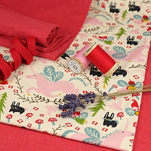 Bio Interlock Jersey Enchanted Unicorns cream von Birch Fabrics